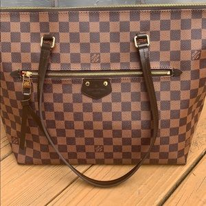 Really pretty and absolutely high quality LV bag